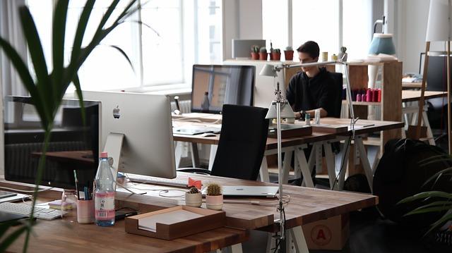 Zestawy VoIP w pracy biurowej